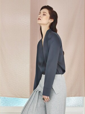 Silky Y Blouse_Midnight Charcoal Blue