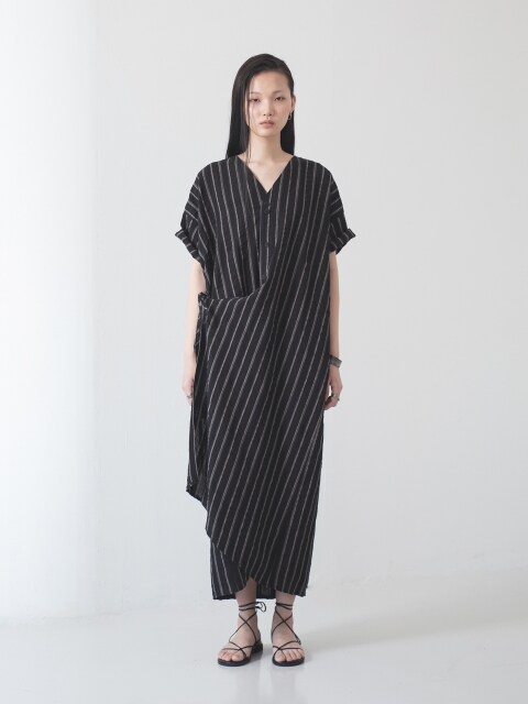 WOMAN_Draping_Dress_stripe