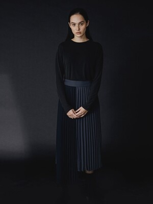 CHARCOAL/NAVY TATE PLEATED SKIRT