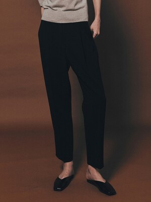 [Drama Signature] One Tuck Tapered Trousers
