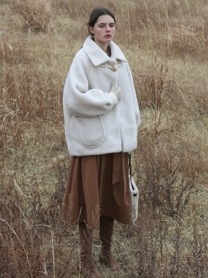 SHEARING WOOL COAT - IVORY