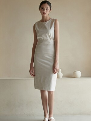 J516 [SET]sleeveless basic top+H skirt (ivory)