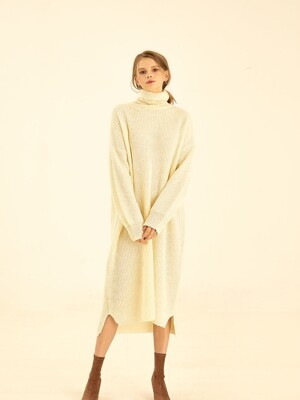 Loose turtle-neck knit dress[ivory]