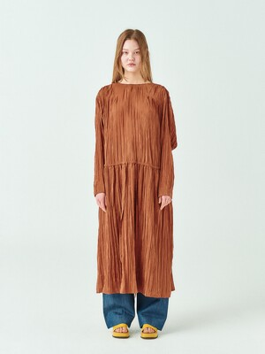 Pleats Overfit Maxi Dress in Brown