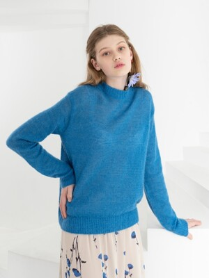 MOHAIR KNIT . BRIGHT BLUE