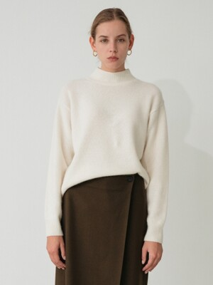 raccoon turtle-neck knit (ivory)
