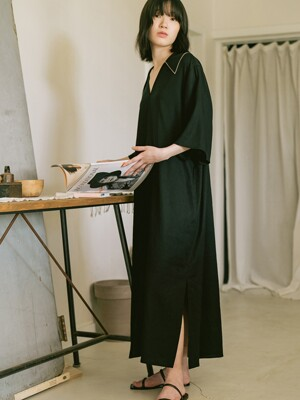 BLACK BIG COLLAR LONG DRESS