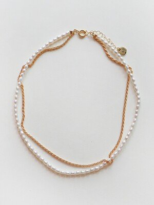 Tiny Pearl Layer Necklace