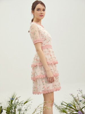 COLLIER / Flower Lace Tiered Dress (pink)