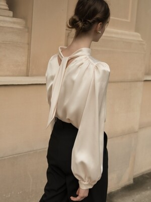 CANNES HIGH NECK TIE BLOUSE CREAM