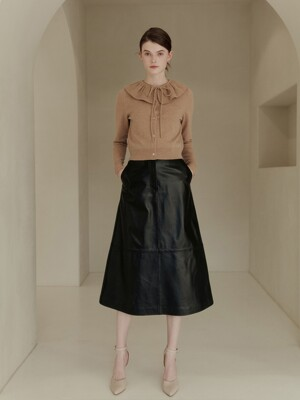 SCARLET Big button detail leather skirt (Black)