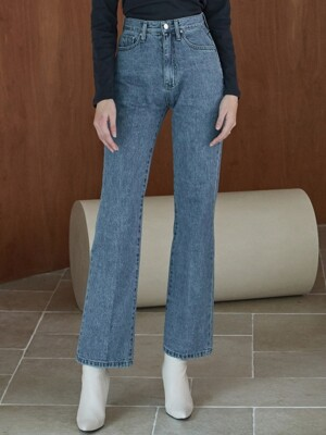 ouie222 long bootscut denim pants (blue)