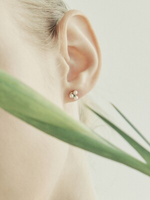 [단독] 14k gold Emerald 3 pearl earrings (14k 골드) b03