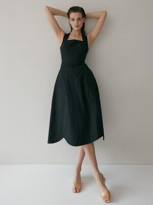 Fiore Sculpted Scallop Mididress (Black)