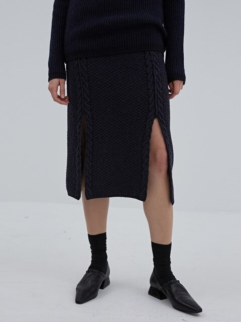 CURTAIN SKIRT NAVY (WOOL CABLE KNIT SKIRT)