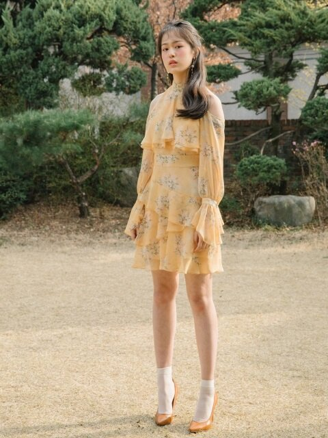 [EXCLUSIVE]Off-shoulder frill dress (PP, YL)