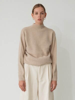 raccoon turtle-neck knit (beige)