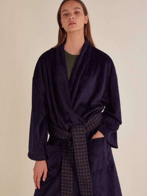 MINK OVERSIZED CHECK BELT ROBE_NAVY
