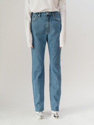 MID-RISE BOY FRIEND JEANS (MID-BLUE)