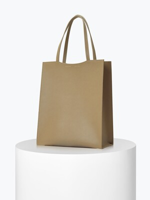 [ESSENTIAL BY UM] DALES SHOPPER 깃털백 - Moca Beige