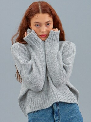 iuw525 cropped boucle turtleneck knit (gray)