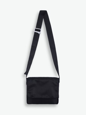 BASIC PENNY BAG (BLACK)