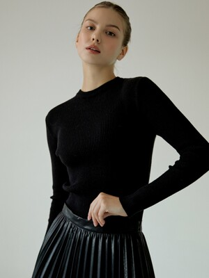 Slim-Fit Round knit[Black]