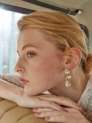 East Europe Vintage Lace Overlay Pearl Earrings