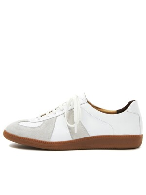 German Trainer R19M007 (White)