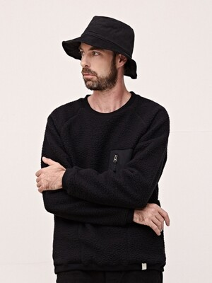 POCKET DUMBLE SWEATSHIRT - BLACK