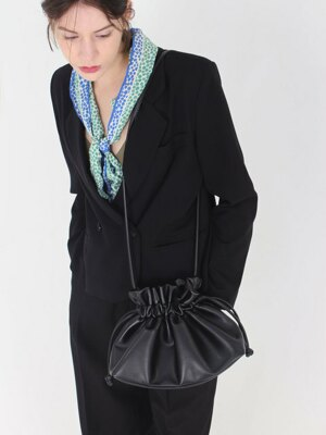String shoulder bag [Black]