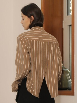 BACK SLIT STRIPE BLOUSE_BEIGE