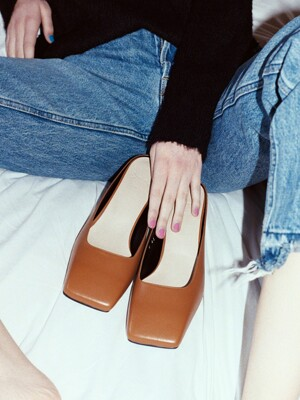 Y.00 Square Toe Mules / YY20S-S42 GINGER