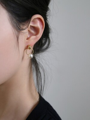 sway pearl earrings (2colors)