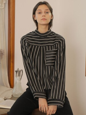 BACK SLIT STRIPE BLOUSE_BLACK