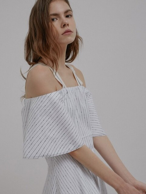 17ss Stripe unbalance off shoulder one-piece C2SO01_WH