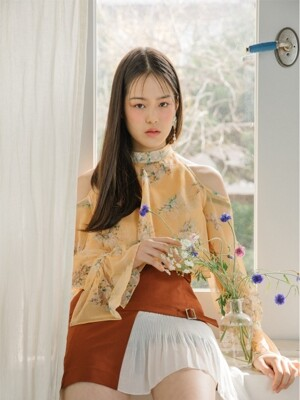 [EXCLUSIVE]Off-shoulder frill blouse (Yellow)