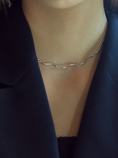 [SILVER] WAVE NECKLACE (WHITE)