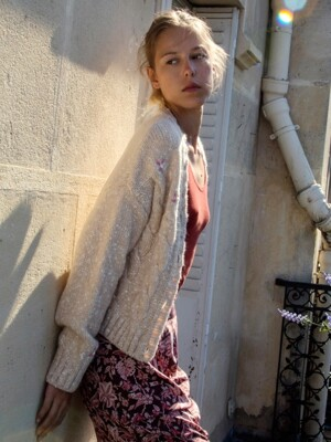Hand-embroidered Wool Cardigan_Pale Beige