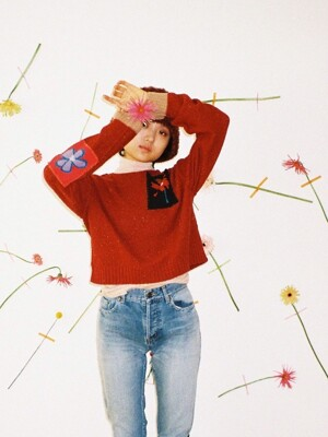 flowering pullover red