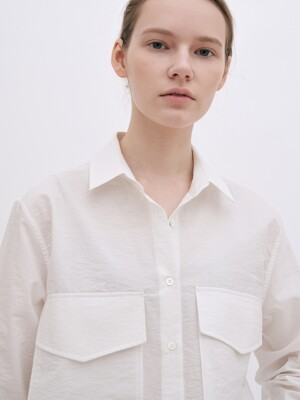 oversized pocket shirt (white)