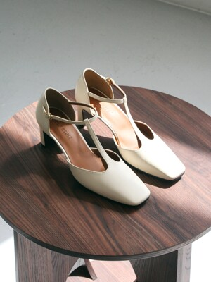 MIKA T-strap pumps_PS_cb0013_ivory