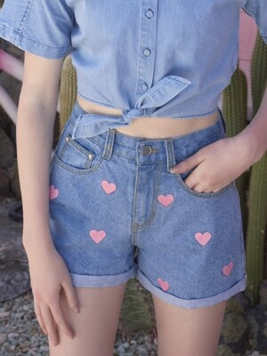 [EXCLUSIVE](PT-18304)ROLA HEART DENIM SHORTS LIGHT BLUE