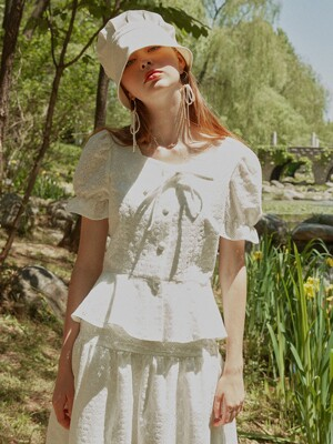 Lace flare blouse_white + Lace shirring long skirt_white