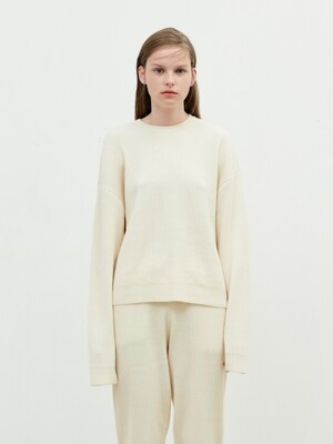 Round Neck Knit [Cream]