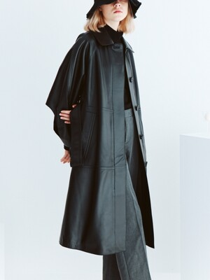 Lamb skin point sleeve trench coat black