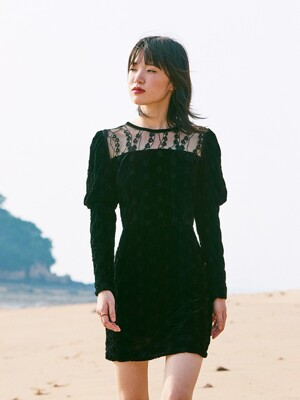 LACE VELVET MINI DRESS_BLACK