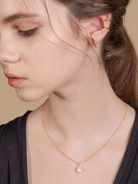 BALL CHAIN BAROQUE PEARL POINT NECKLACE