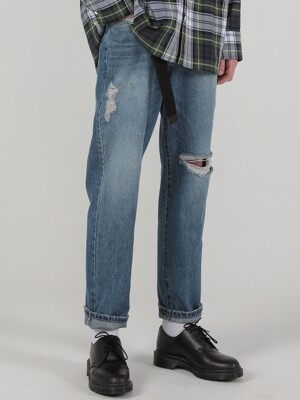 LOOSE FIT TAPERED DENIM