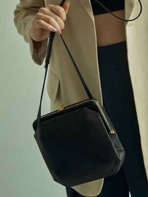 [리퍼브]COMFIE BAG [ BLACK ]